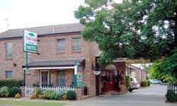 Cedar Lodge Motel - Accommodation Sunshine Coast