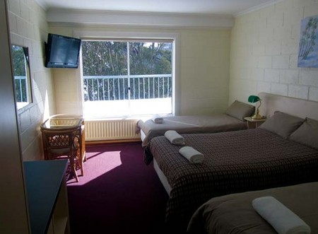 Falls Creek Hotel - Accommodation Sunshine Coast