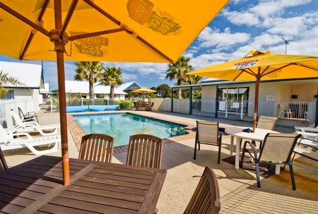 Torquay Tropicana Motel - Accommodation Sunshine Coast