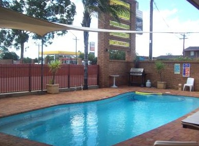 Town And Country Motor Inn Cobar - Accommodation Sunshine Coast