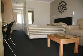 Queensgate Motel - Accommodation Sunshine Coast