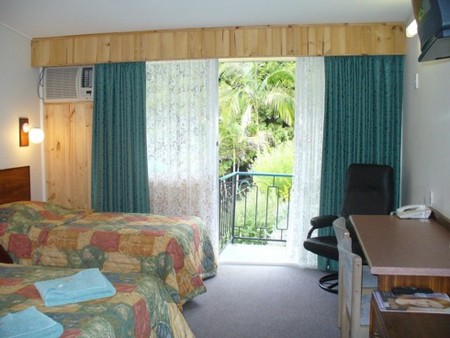 Coachman Motel - Accommodation Sunshine Coast