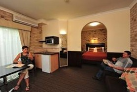 Highlander Motor Inn And Apartments - Accommodation Sunshine Coast