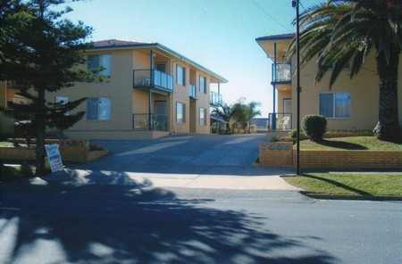 AA Madalena Court Holiday Apartments - Accommodation Sunshine Coast