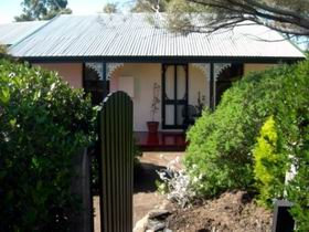 Jasmine's Cottage - Accommodation Sunshine Coast