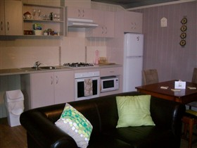 Little Para Cottage - Accommodation Sunshine Coast