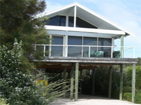 Sheoak Holiday Home - Accommodation Sunshine Coast