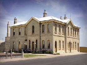 The Customs House - Accommodation Sunshine Coast