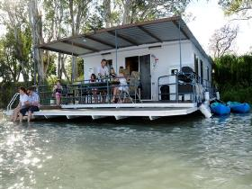 The Murray Dream Self Contained Moored Houseboat - Accommodation Sunshine Coast