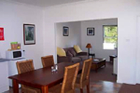 Giants' Table and Cottages - Accommodation Sunshine Coast