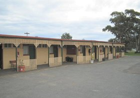 Central Court Motel - Accommodation Sunshine Coast