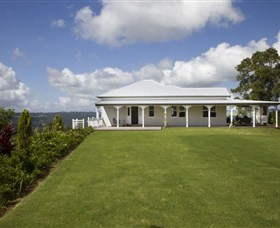 Montville Lake Terrace - Accommodation Sunshine Coast