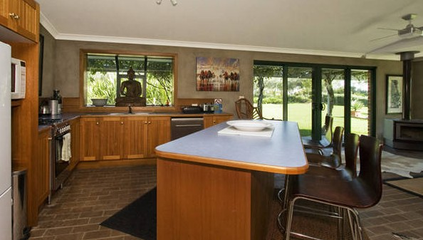 Banksia Garden Retreat - Accommodation Sunshine Coast