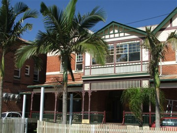 Maclean Hotel - Accommodation Sunshine Coast