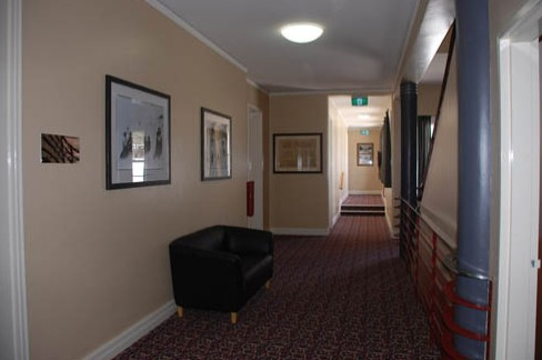 Alpine Hotel - Accommodation Sunshine Coast