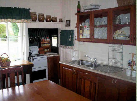 Dillons Cottage - Accommodation Sunshine Coast