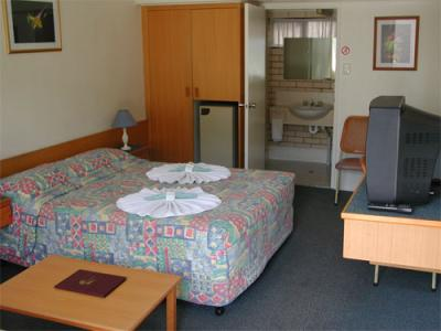 Tropical Gateway Motor Inn - Accommodation Sunshine Coast