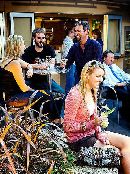 Morphett Arms Hotel - Accommodation Sunshine Coast