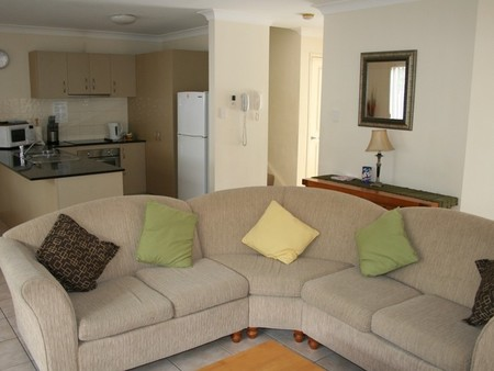 Pacific Sun Gold Coast Holiday Townhouse - Accommodation Sunshine Coast