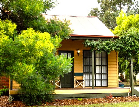 Mountain View Motor Inn and Holiday Lodges - Accommodation Sunshine Coast