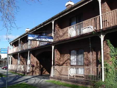 Albury Townhouse - Accommodation Sunshine Coast