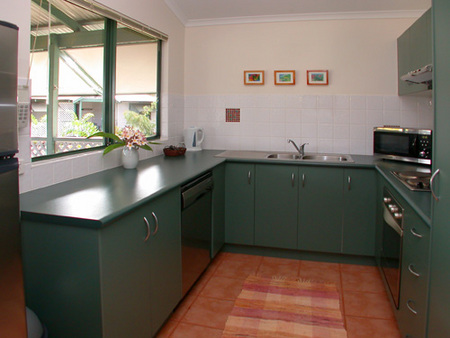 Cocos Beach Bungalows - Accommodation Sunshine Coast