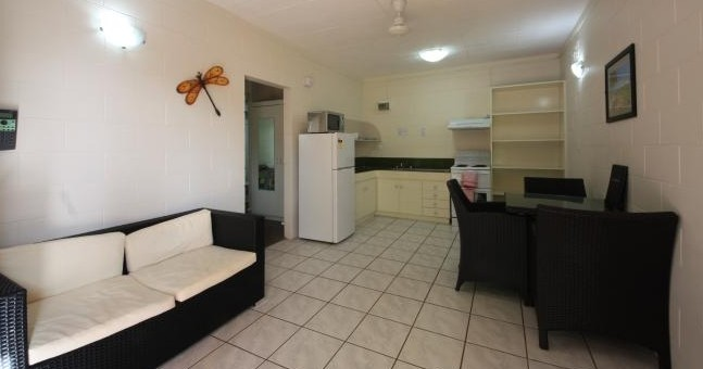 Coconut Grove Holiday Apartments - Accommodation Sunshine Coast