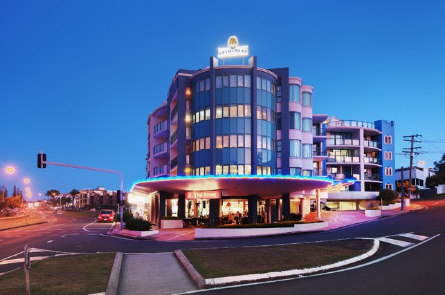 Grand Palais Beachside Resort - Accommodation Sunshine Coast