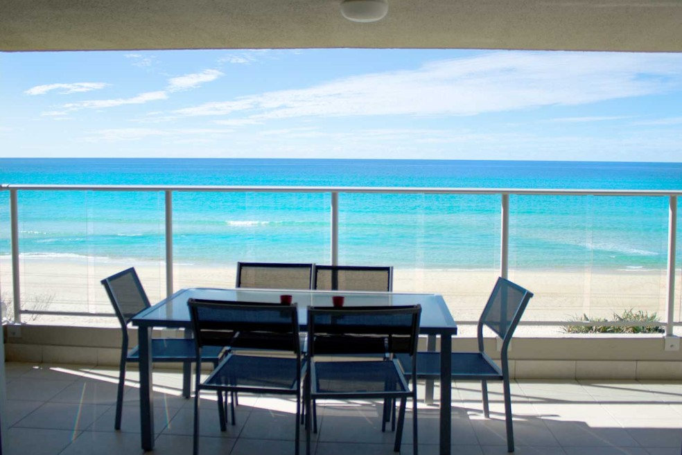 Pacific Surf Absolute Beach Apartments - Accommodation Sunshine Coast