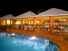 Reef Resort - Accommodation Sunshine Coast