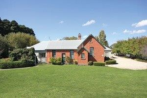 Woodend Old School House Bed and Breakfast - Accommodation Sunshine Coast