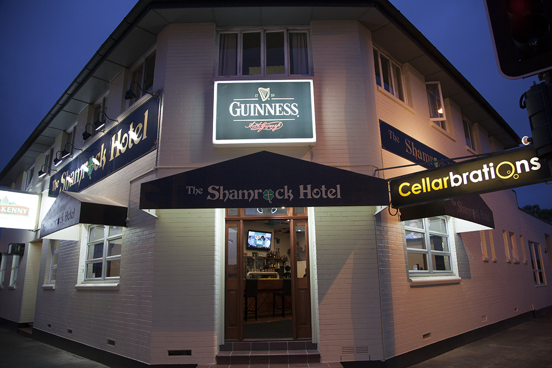 Shamrock Hotel - Accommodation Sunshine Coast