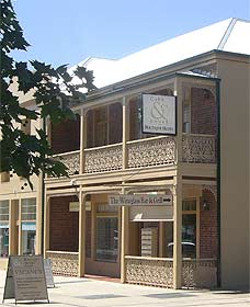 Cobb  Co Court Boutique Hotel - Accommodation Sunshine Coast