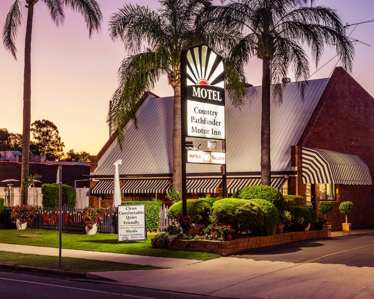 Country Pathfinder Motor Inn - Accommodation Sunshine Coast