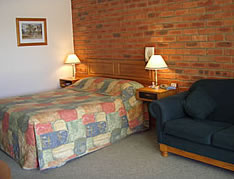 Australian Settlers Motor Inn - Accommodation Sunshine Coast