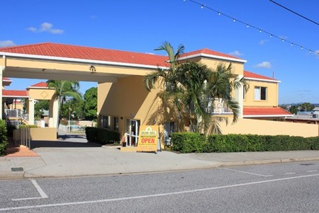 Harbour Sails Motor Inn - Accommodation Sunshine Coast