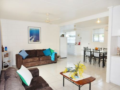 Lucinda Holiday Rentals  - Accommodation Sunshine Coast
