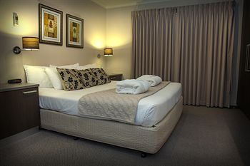Eltham Gateway Hotel - Accommodation Sunshine Coast