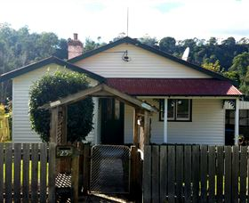 Brothers Town Cottage - Accommodation Sunshine Coast