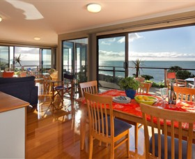 Boat Harbour Beach House - The Waterfront - Accommodation Sunshine Coast