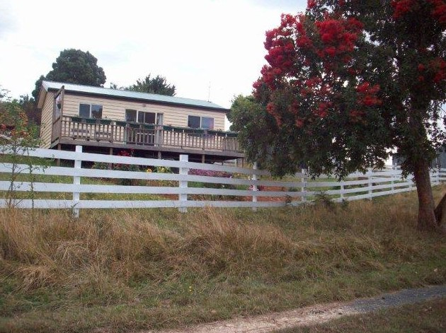 Demeter Farm Cabin - Accommodation Sunshine Coast