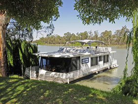 Boats and Bedzzz - The Murray Dream self-contained moored Houseboat - Accommodation Sunshine Coast