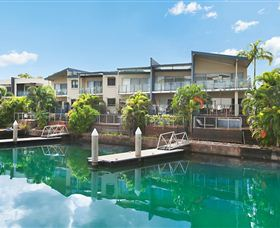 Bay View Luxury Waterfront Villa - Accommodation Sunshine Coast