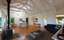 Yellow Dog Cottage - - Accommodation Sunshine Coast