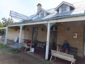 Marshall McMahon Inn - Accommodation Sunshine Coast