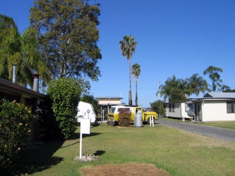 Browns Caravan Park - Accommodation Sunshine Coast