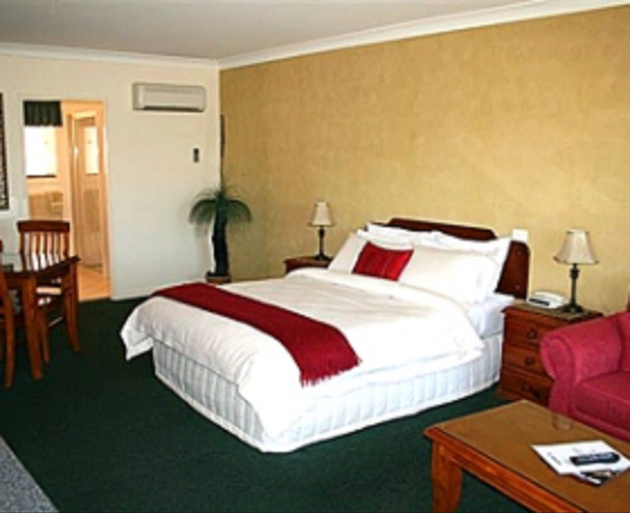 Maynestay Motel - Accommodation Sunshine Coast