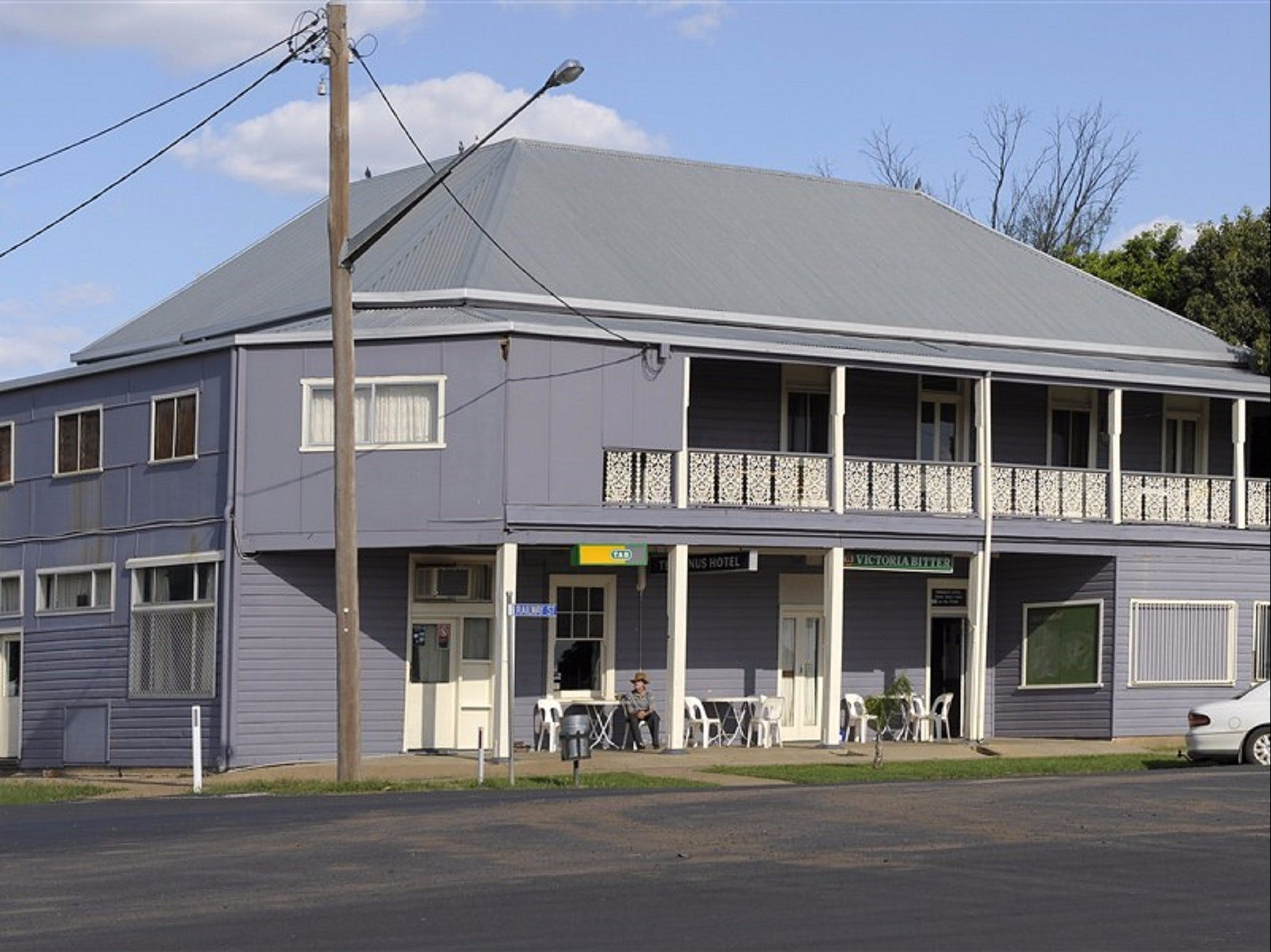 Terminus Hotel - Accommodation Sunshine Coast