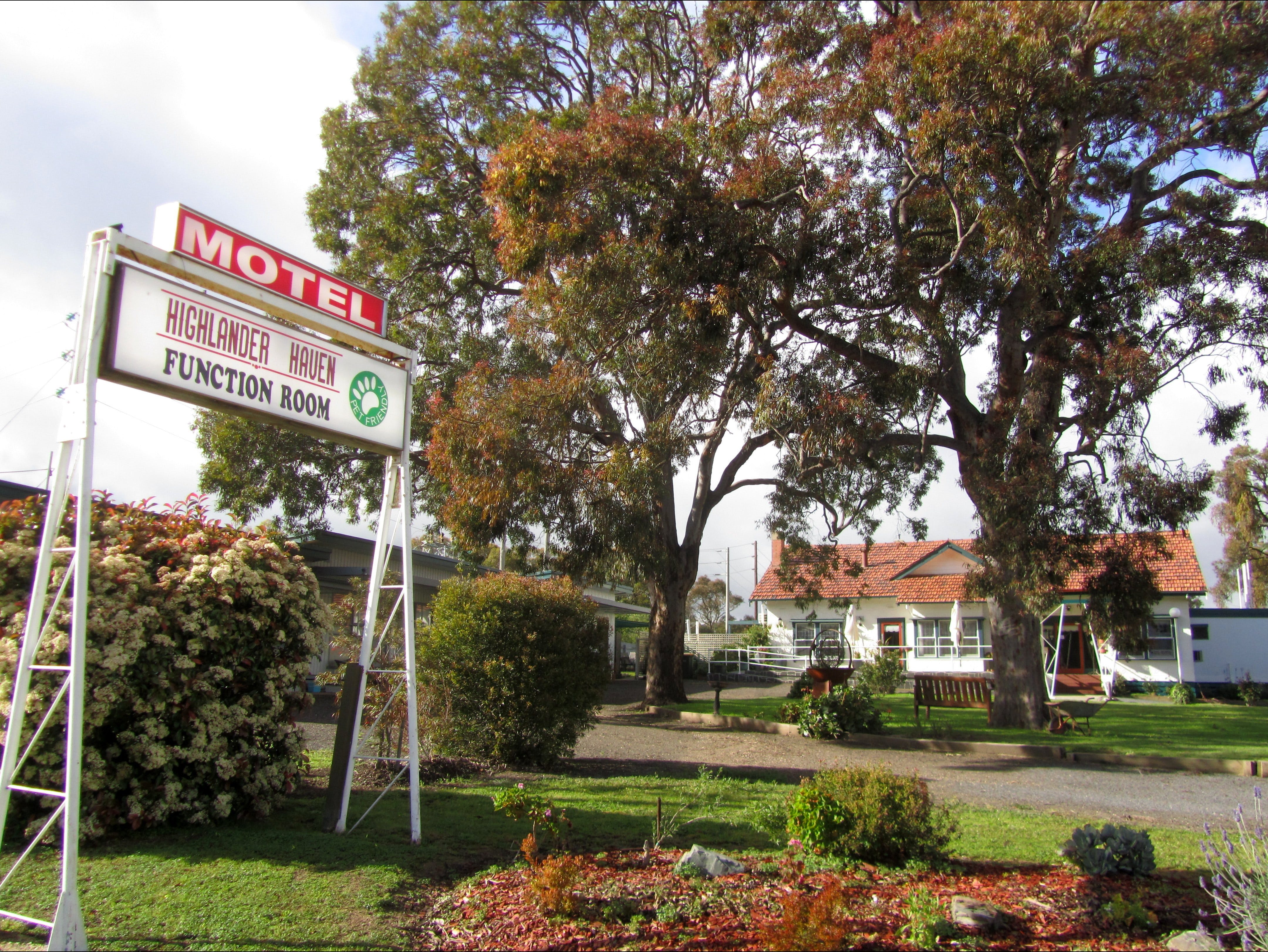 Highlander Haven Motel and Function Centre - Accommodation Sunshine Coast