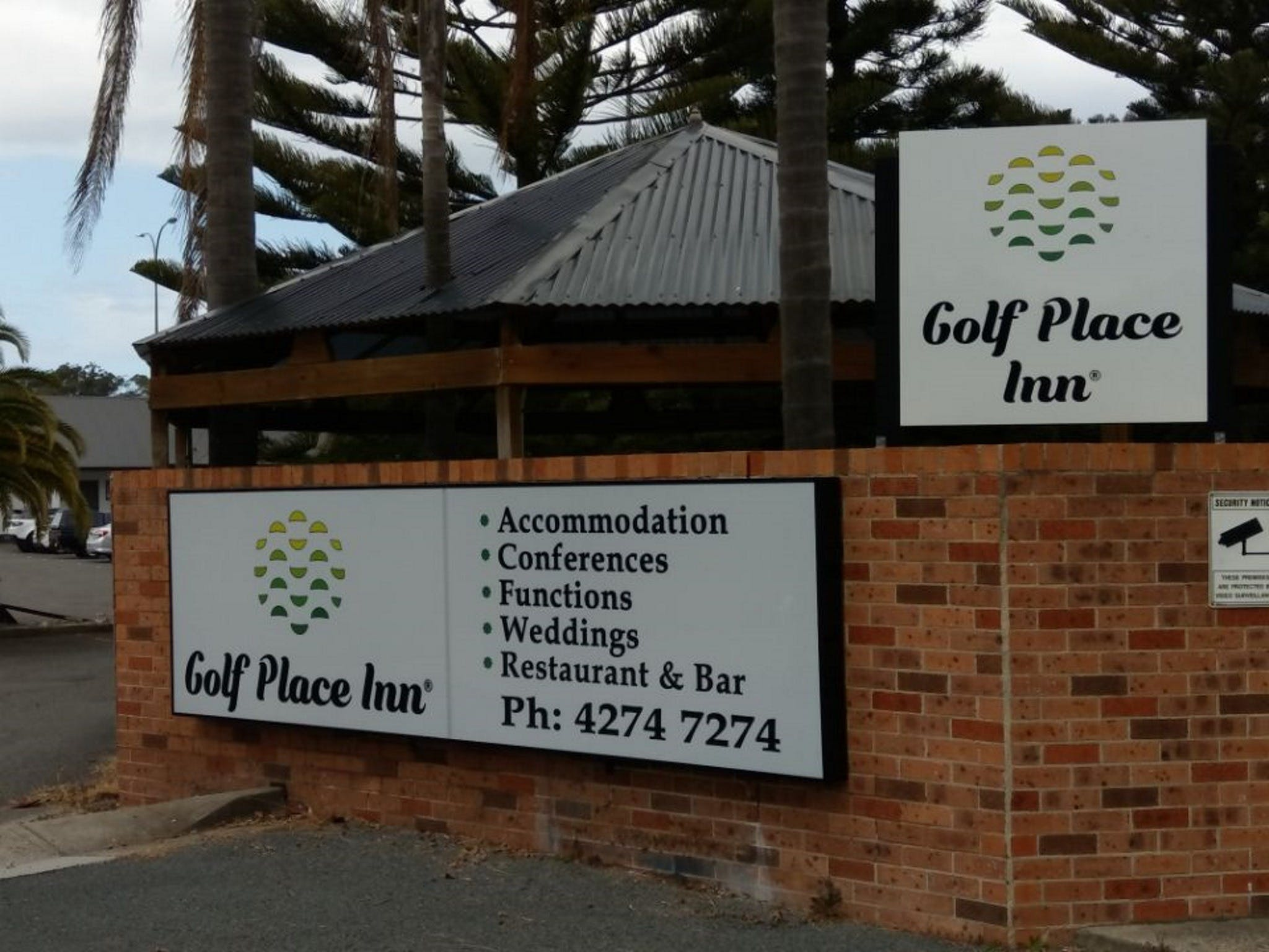 Golf Place Inn - Accommodation Sunshine Coast